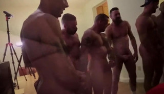 [TIM] gigantic easy hole - Sc 4 - Owen's group-sex