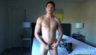 Tall Jock Sean Lee Shoots Some Hoops and Jerks His Uncut COCK